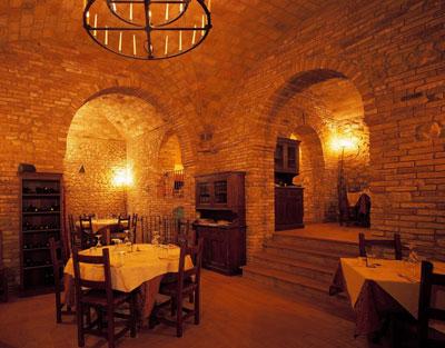 Al mastin vecchio ristorante di verucchio rimini - Ristoranti bagno di romagna ...